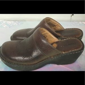 Born women's brown Leather slip on clogs size 7MW